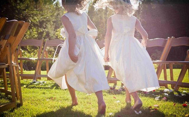 Organisation mariage : Enfants, Comment les occuper pour éviter qu'ils ne graillent tout le bar à bonbon (et qu'ils vomissent partout) ?