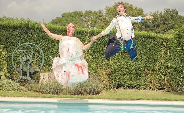 Trash the Dress piscine & peinture {Audrey & Jérôme}
