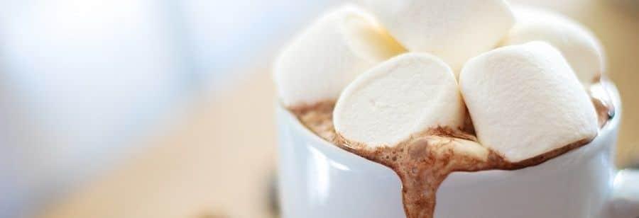 Du chocolat chaud aux chamallows pour mes invités !