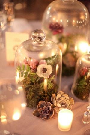 tendance décoration mariage, cloche en verre décorée, 5 tendances deco mariage à adopter