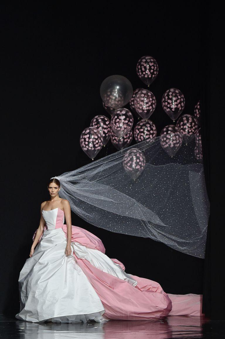fashion week paris robe de mariée ballons