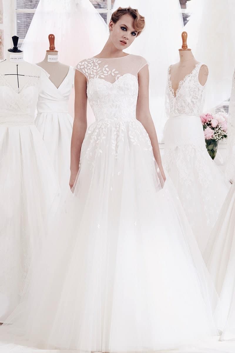 robe de mariée dentelle feuilles