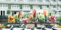 10 idées pour présenter de manière originale un buffet de mariage